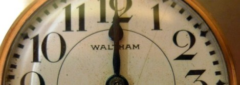 Reloj-marcando-las-12