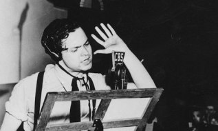 orson-welles-broadcasts-w-007