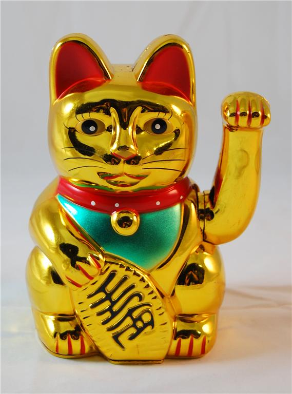 Maneki-Neko-Gold-Beckoning